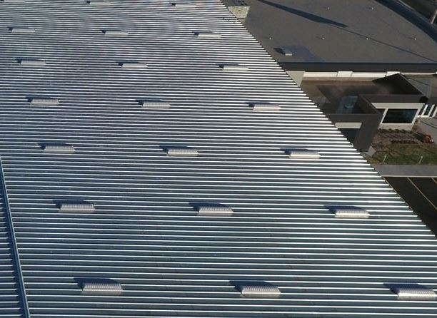 bulter mr-24 roof panels undergo roof system wind uplift testing